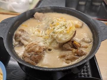 シュクメルリ鍋定食(メイン)