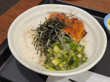 うなぎ三色丼(丼)
