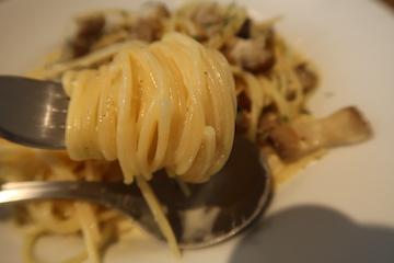 燻製パンチェッタと黒胡椒のカルボナーラ(実食)